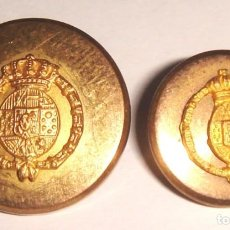 Militaria: BOTONES CON ESCUDO REAL . Lote 154009166