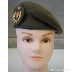 Militaria: BOINA EJERCITO DE TIERRA OFICIALES INCLUYE EMBLEMA LAUREL ANCHO TALLAS 54 A LA 60. Lote 154428678