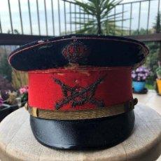 Militaria: INFANTERIA, GORRA DE PLATO MODELO 1908 PARA JEFES Y OFICIALES (ALFONSO XIII). Lote 158207230