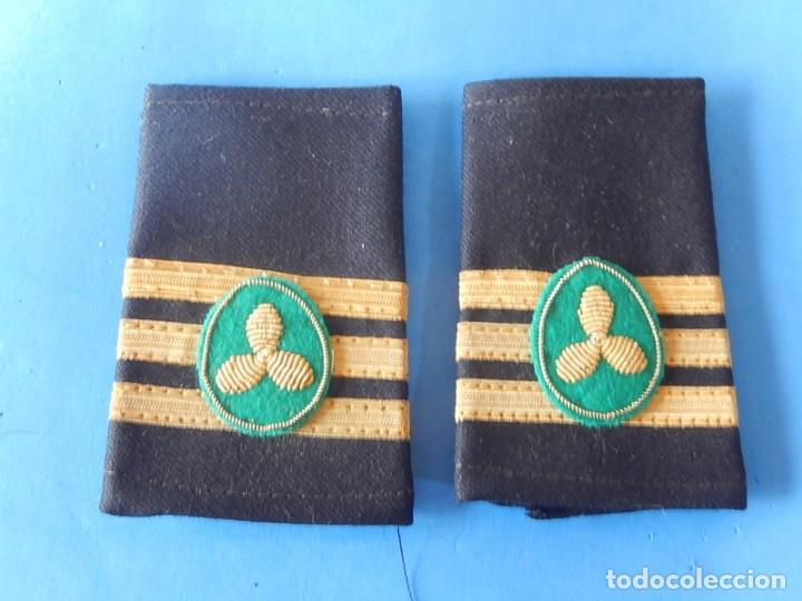 MARINA MERCANTE ESPAÑOLA. MANGUITOS DE OFICIAL DE MÁQUINAS. (Militar - Otros relacionados con uniformes )