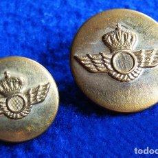 Militaria: LOTE DE 2 BOTONES DE LATÓN UNIFORME DE AVIACIÓN.. Lote 164232786