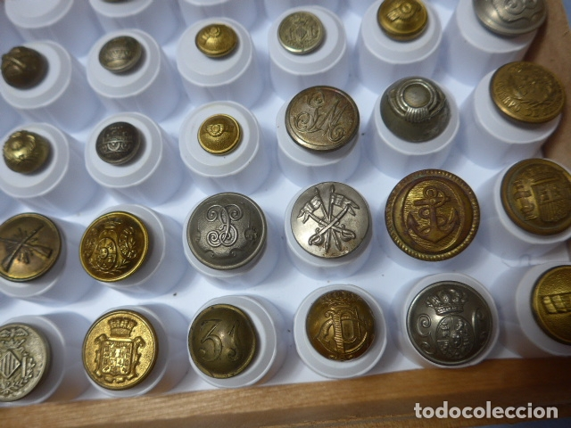 Militaria: * Lote de 32 antiguos botones españoles, epoca alfonso XIII, Republica, guerra civil. Originales. ZX - Foto 2 - 164941854