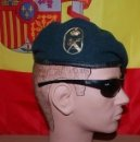 Militaria: BOINA VERDE GUARDIA CIVIL GRS AÑO 2006+GAFAS NEGRAS REYBAN. Lote 165097582