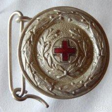 Militaria: HEBILLA DE LA CRUZ ROJA. FABRICADA POR CERECEDA. PLATEADA. Lote 165466126