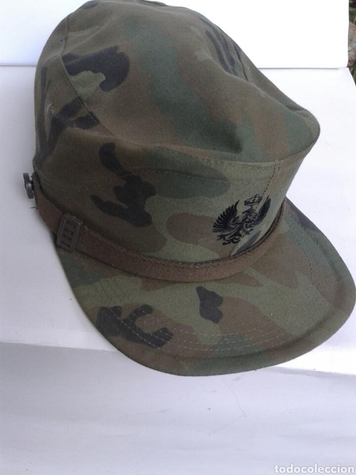 GORRA CAMUFLAJE ESCUDO BORDADO (Militar - Boinas y Gorras )