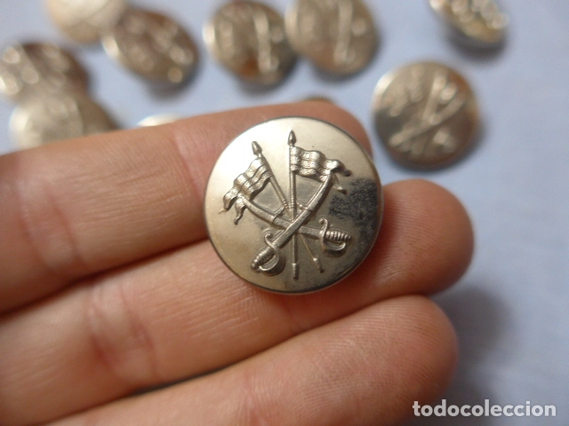 Militaria: * Lote 13 antiguos botones plateados de caballeria española, grandes, originales. ZX - Foto 2 - 168391236