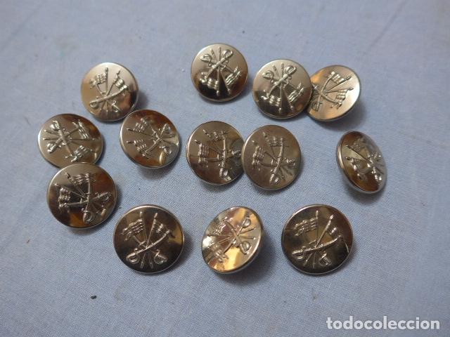 * LOTE 13 ANTIGUOS BOTONES PLATEADOS DE CABALLERIA ESPAÑOLA, GRANDES, ORIGINALES. ZX (Militar - Botones )