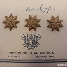Militaria: TRES ESTRELLAS DE 8 PUNTAS DORADAS IMITACION BORDADAS. Lote 168581004