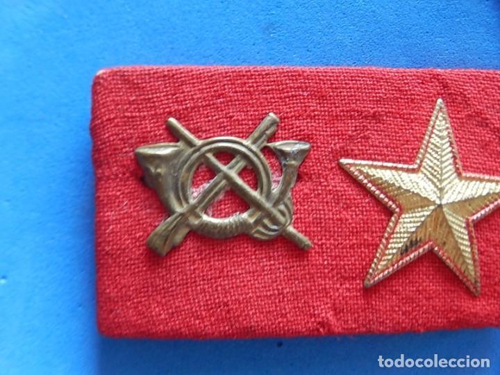 Militaria: Ejército Español. Pequeña galleta porta divisas para un subteniente de Infantería - Foto 5 - 169040460