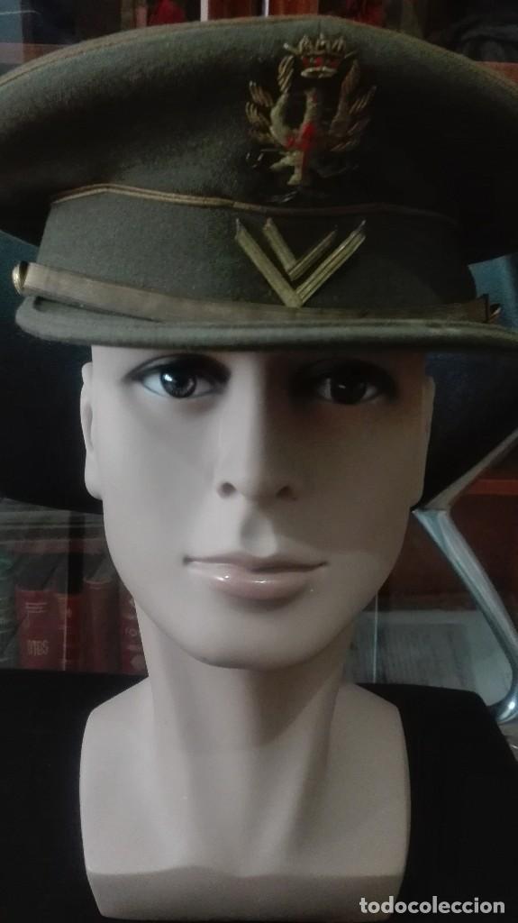 GORRA DE PLATO CABALLERO ALUMNO SEGUNDO CURSO. (Militar - Boinas y Gorras )