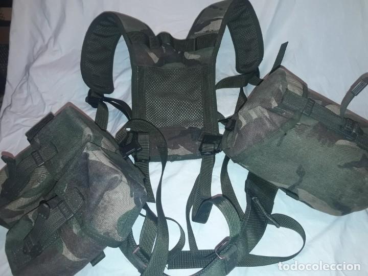 CONJUNTO EQUIPO DE COMBATE CHALECO CINTURÓN CARTUCHERA CANTIL 1990/1996 (Militar - Otros relacionados con uniformes )