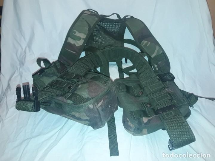 Militaria: Conjunto equipo de combate chaleco cinturón cartuchera cantil 1990/1996 - Foto 2 - 171608234