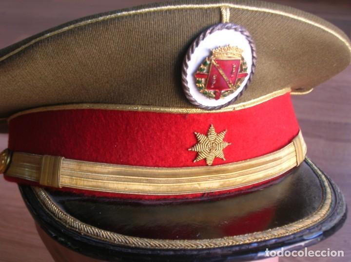 EXCEPCIONAL Y MUY ESCASA GORRA DE COMANDANTE DE LA GUARDIA DEL CAUDILLO GENERALISIMO FRANCO. (Militar - Boinas y Gorras )