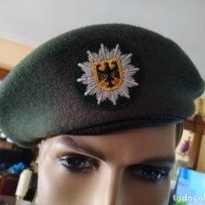 Militaria: GORRA BOINA CHAPELA GORRA POLICIA ALEMANA DE ALEMANIA POLICE CON PLACA DISTINTIVO BORDADO, INSIGNIA. Lote 172320815