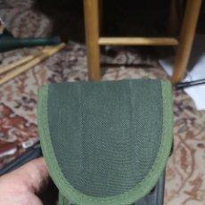 Militaria: FUNDA DE PISTOLA DE EXTRACCIÓN RÁPIDA CON BAQUETA. Lote 174603722