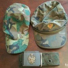 Militaria: DOS GORRAS Y UN CINTURON EJERCITO DE TIERRA AÑOS 80. Lote 174948392