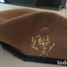 Militaria: BOINA MILITAR DEL EJÉRCITO DE TIERRA USADA, DESCONOZCO UNIDAD. Lote 175665139