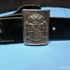 Militaria: ANTIGUO CINTURON MILITAR DE HEBILLA CON ESCUDO. Lote 178396928