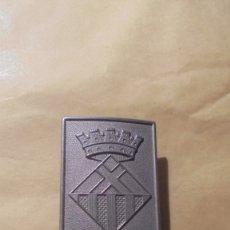 Militaria: ANTIGUA HEBILLA POLICIA MUNICIPAL HOSPITALET DE LLOBREGAT 6,5X5CM. . Lote 179315517
