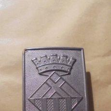 Militaria: ANTIGUA HEBILLA DE POLICIA MUNICIPAL D'HOSPITALET DEL LLOBREGAT 6,5X5 CM. . Lote 179317593