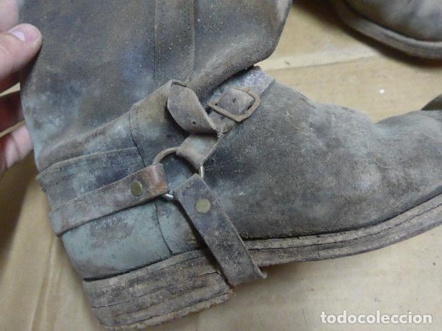 Militaria: * Antigua pareja de botas de la guerra civil, original. ZX - Foto 3 - 179950087