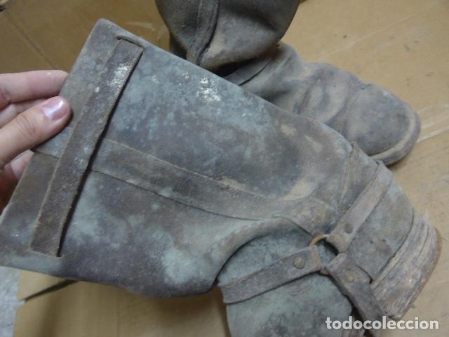 Militaria: * Antigua pareja de botas de la guerra civil, original. ZX - Foto 6 - 179950087