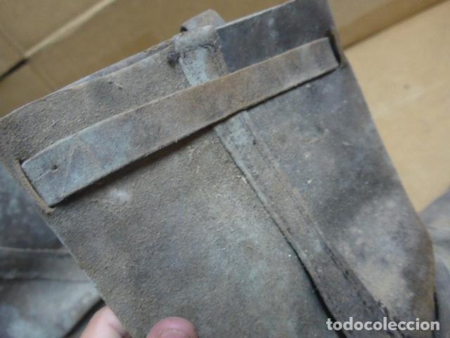 Militaria: * Antigua pareja de botas de la guerra civil, original. ZX - Foto 12 - 179950087