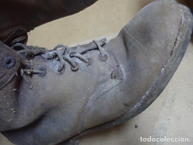 Militaria: * Antigua pareja de botas marrones republicanas de la guerra civil, original. ZX - Foto 19 - 179950391