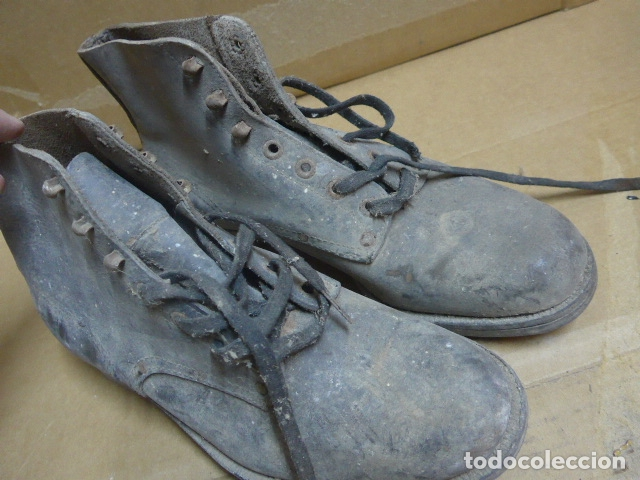 Militaria: * Antigua pareja de botas o botines de la guerra civil, original. ZX - Foto 2 - 179951165