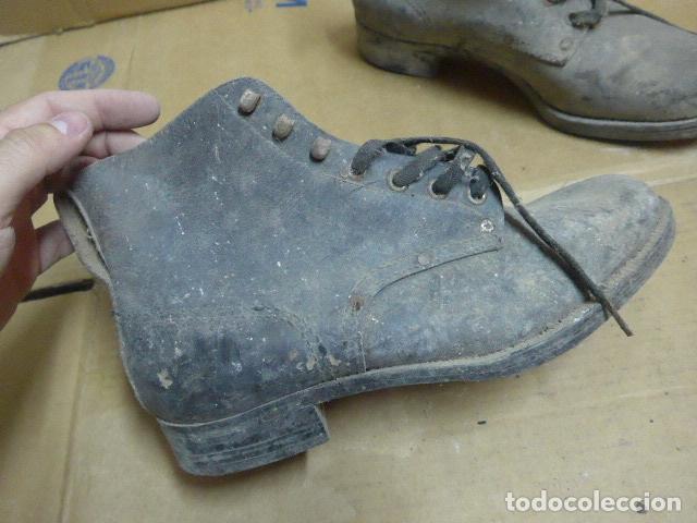 Militaria: * Antigua pareja de botas o botines de la guerra civil, original. ZX - Foto 3 - 179951165