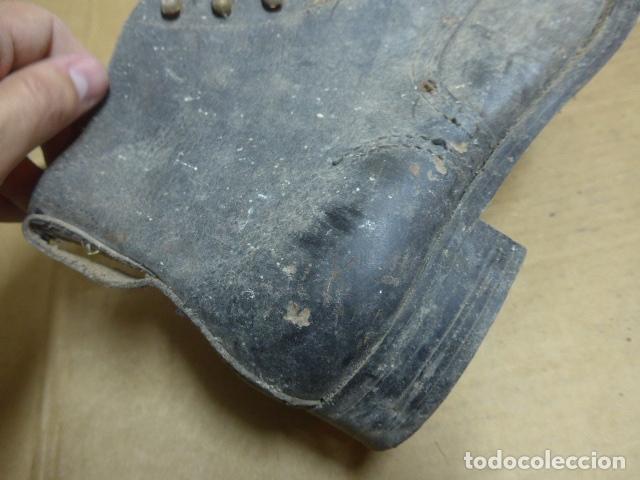Militaria: * Antigua pareja de botas o botines de la guerra civil, original. ZX - Foto 4 - 179951165