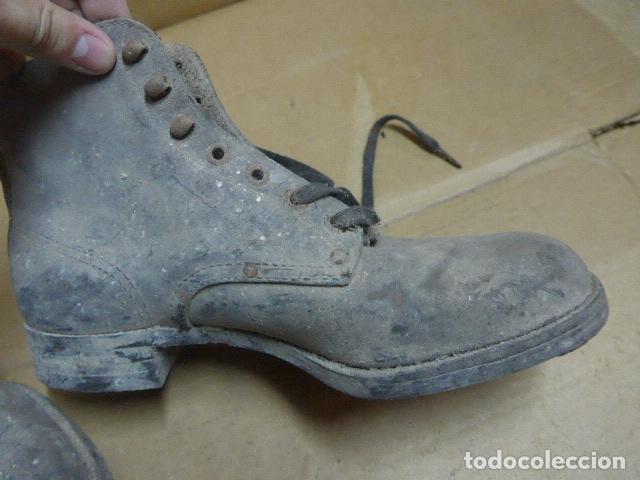 Militaria: * Antigua pareja de botas o botines de la guerra civil, original. ZX - Foto 10 - 179951165