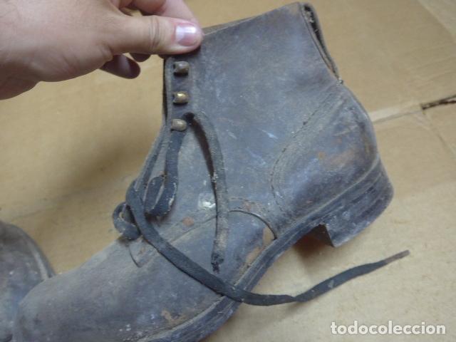 Militaria: * Antigua pareja de botas o botines de la guerra civil, original. ZX - Foto 12 - 179951165