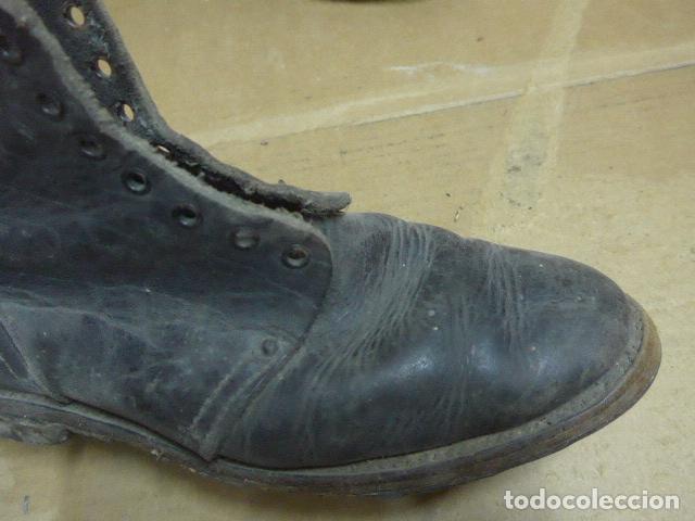 Militaria: * Antigua pareja de botas o botines, tipo de la guerra civil, original. ZX - Foto 3 - 179952520