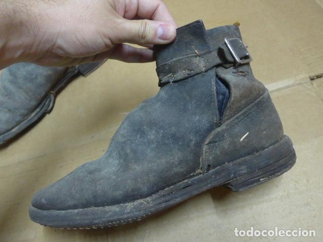 Militaria: * Antigua pareja de botas o botines de la guerra civil, original. ZX - Foto 2 - 179952797