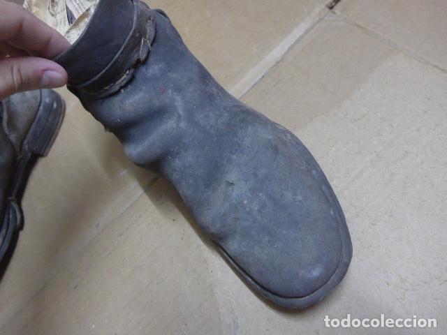 Militaria: * Antigua pareja de botas o botines de la guerra civil, original. ZX - Foto 4 - 179952797