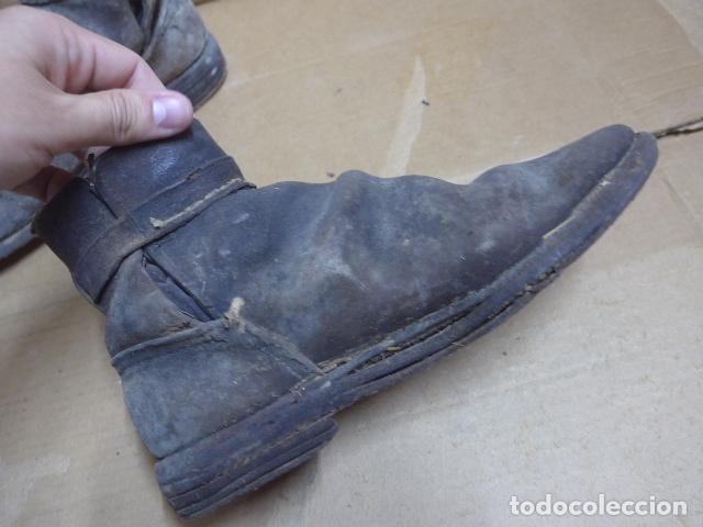 Militaria: * Antigua pareja de botas o botines de la guerra civil, original. ZX - Foto 5 - 179952797