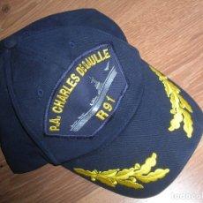 Militaria: MUY ESCASA GORRA DE OFICIAL. PORTAAVIONES FRANCÉS CHARLES DE GAULLE.. Lote 180192692