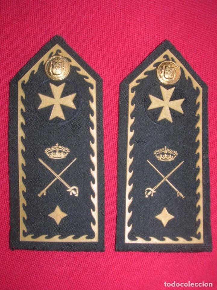 Militaria: MUY RARO Y PRECIOSO PAR DE HOMBRERAS O PALAS DE GENERAL DE SANIDAD. - Foto 2 - 182664098
