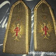 Militaria: ANTIGUAS HOMBRERAS MILITARES BORDADAS. Lote 182899233