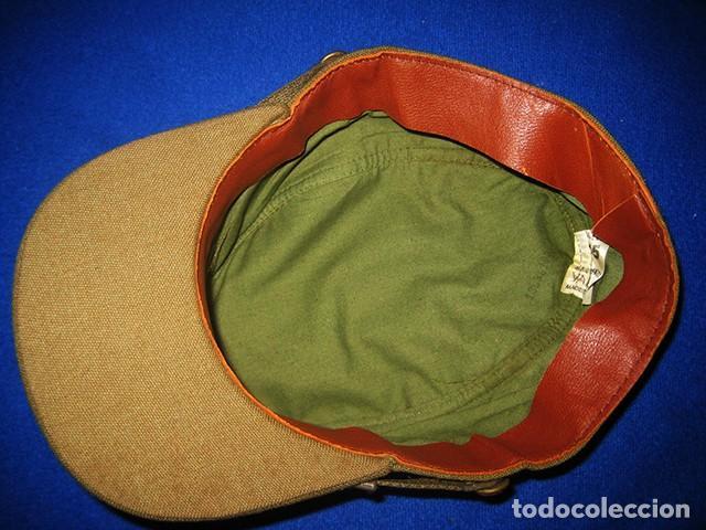 Militaria: Gorra de paseo Uniforme de Diario. Mod. R-67. Teniente del Ejército de Tierra. Talla 55. Año 1976-80 - Foto 9 - 183740446