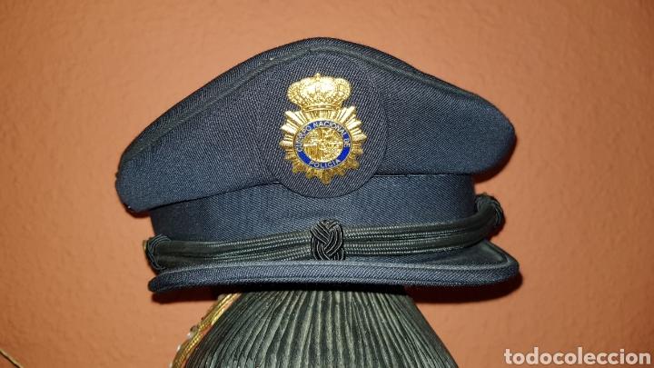 ANTIGUA GORRA POLICIAL CUERPO NACIONAL DE POLICÍA ESCALA BÁSICA TALLA 56 EXCELENTE ESTADO (Militar - Boinas y Gorras )
