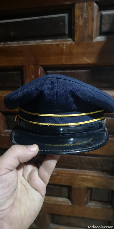 GORRA DE PLATO AÑOS 80 PROBABLEMENTE PARA LA POLICÍA MUNICIPAL DE MADRID (Militar - Boinas y Gorras )