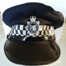 Militaria: GORRA POLICÍA INGLATERRA METROPOLITAN POLICE LONDON REINO UNIDO GRAN BRETAÑA, ESCUDO METÁLICO 2008. Lote 190353182