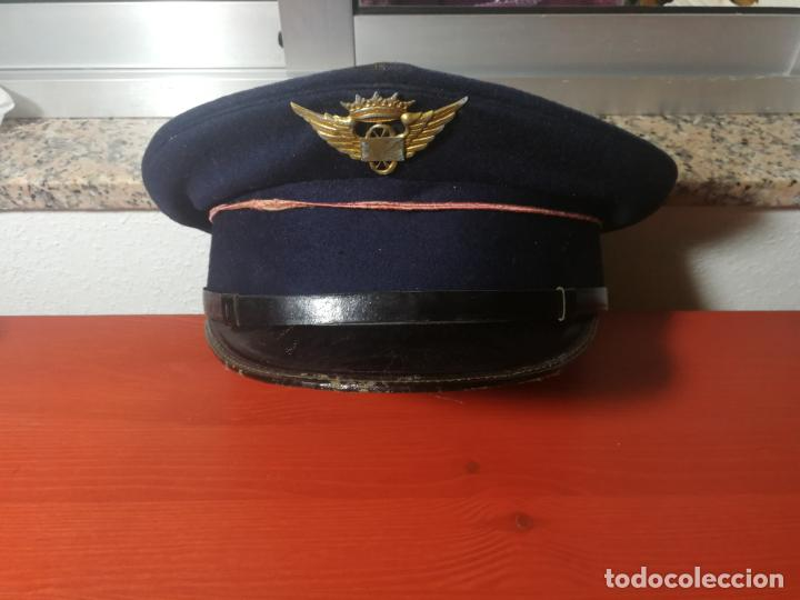 ANTIGUA GORRA DE PLATO DE CARTERO CON INSIGNIA DE CORREOS AEREO AZUL MARINO BOTONES ORIGINALES (Militar - Boinas y Gorras )