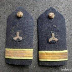 Militaria: (JX-200233)DOS HOMBRERAS , PALAS DE OFICIAL DE MAQUINAS DE LA MARINA ESPAÑOLA , EPOCA II REPUBLICA .. Lote 193842678