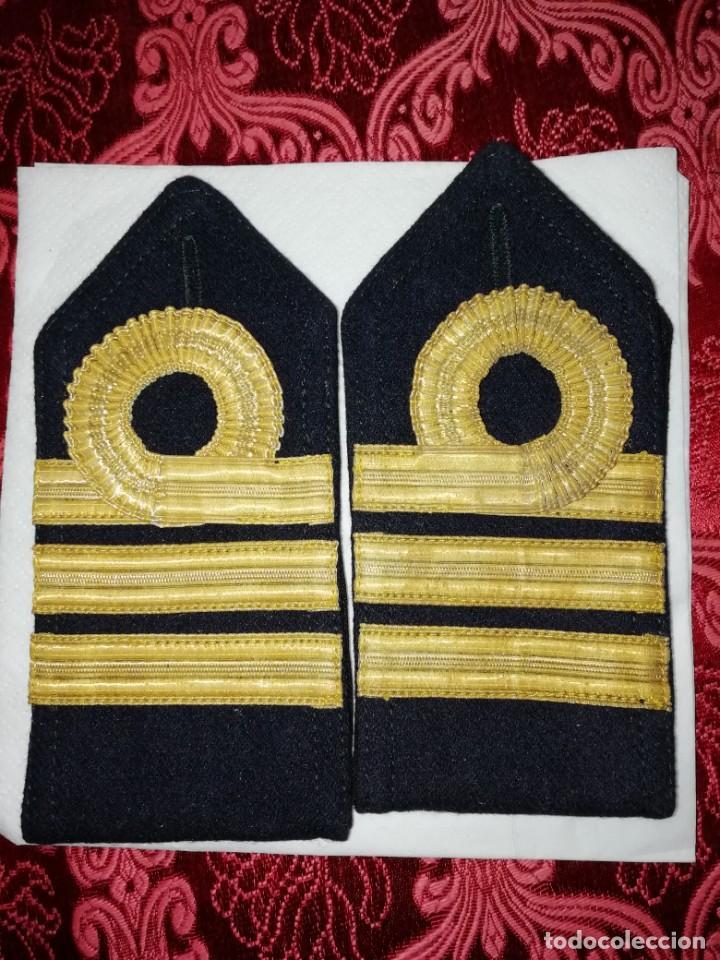 PALAS DE TELA CREO CAPITÁN MARINA ESPAÑOLA (Militar - Otros relacionados con uniformes )