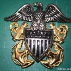 Militaria: USN. US NAVY. INSIGNIA PARA GORRA DE PLATO DE OFICIAL. Lote 194234728