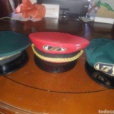 Militaria: LOTE DE 3 GORRAS FERROVIARIAS.. Lote 194276408