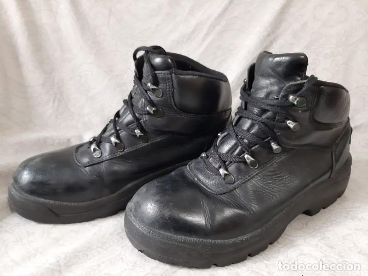 BOTAS CORTAS POLICIA NACIONAL CNP TALLA 42 MARCA ROBUSTA (Militar - Botas y Calzado)